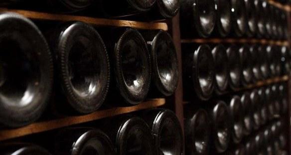 1053893_investir-dans-le-vin-peut-on-conjuguer-plaisir-et-performance-web-tete-0203860461942_660x352p