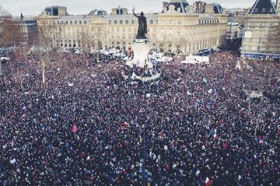 2510229-manifestation-charlie-hebdo-les-100-images-du-rassemblement-a-paris-et-ailleurs